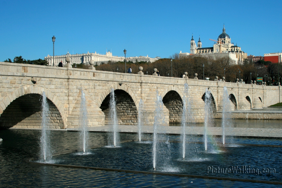 Puente de Segovia - The oldest bridge in Madrid